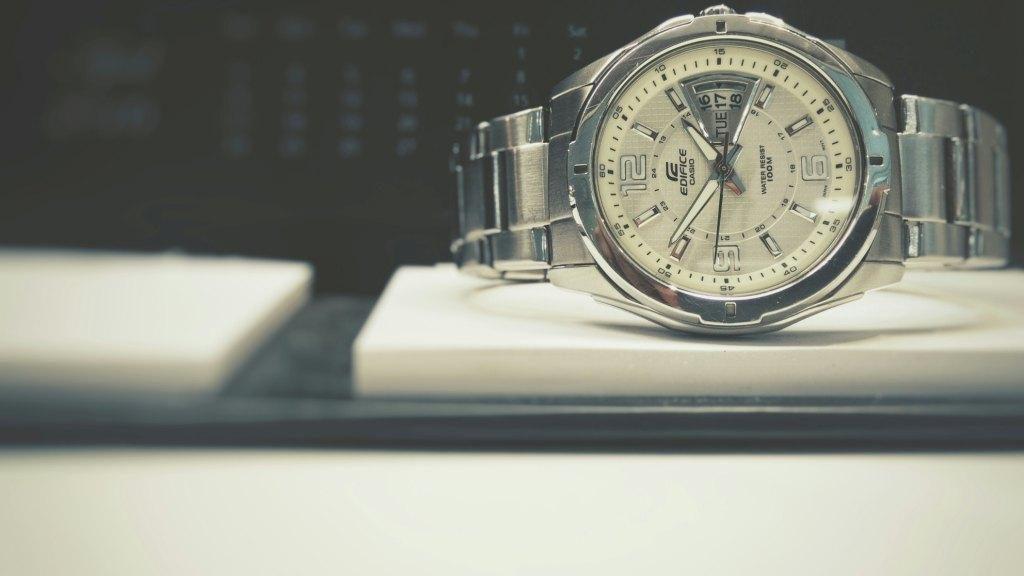 Часы на ежедневнике